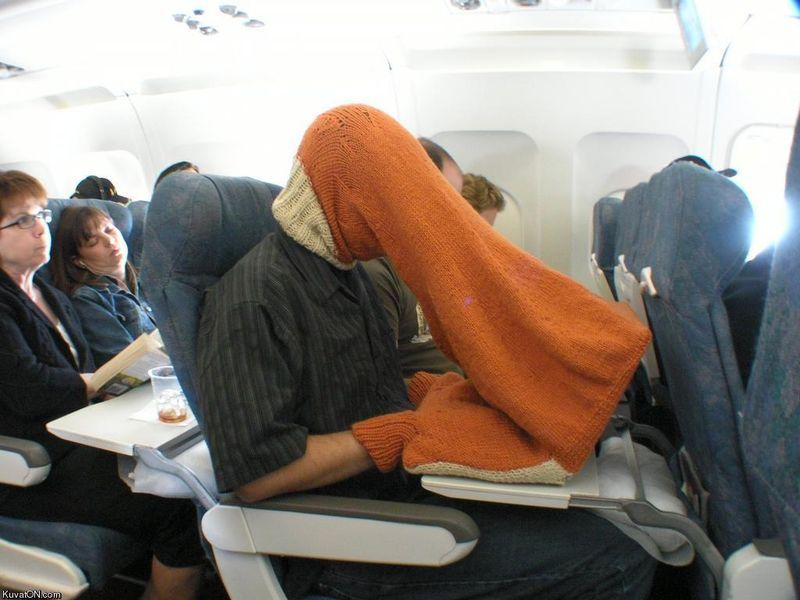 Бесплатный фотоприкол ноутбук, одежда, прикол, самолет