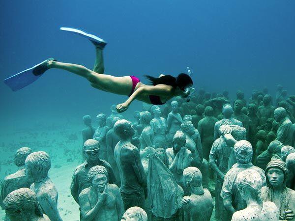 Пикантный фотоприкол дайвинг, девушка, под водой, статуи