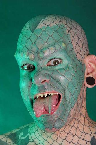 http://de.fishki.net/picsw/082007/27/10_mods/the-lizardman.jpg