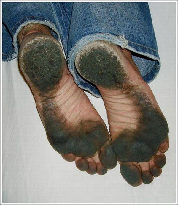 Человек без ботинок (22 фото)