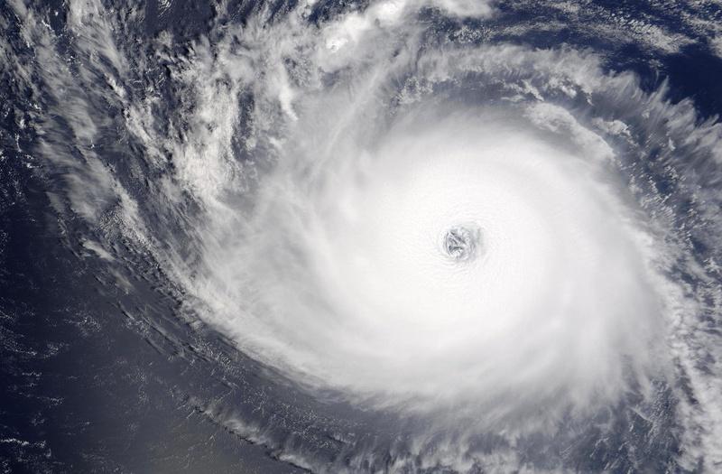 Снимки центра урагана (30 фото)