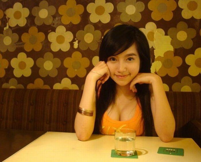 Элли - очень популярная девушка из Вьетнама (30 фото)