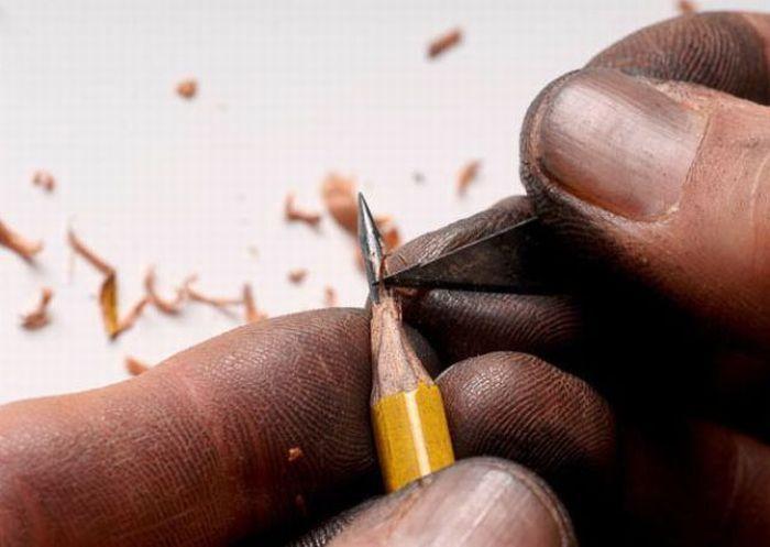 Скульптуры на стержне карандаша (17 фото)