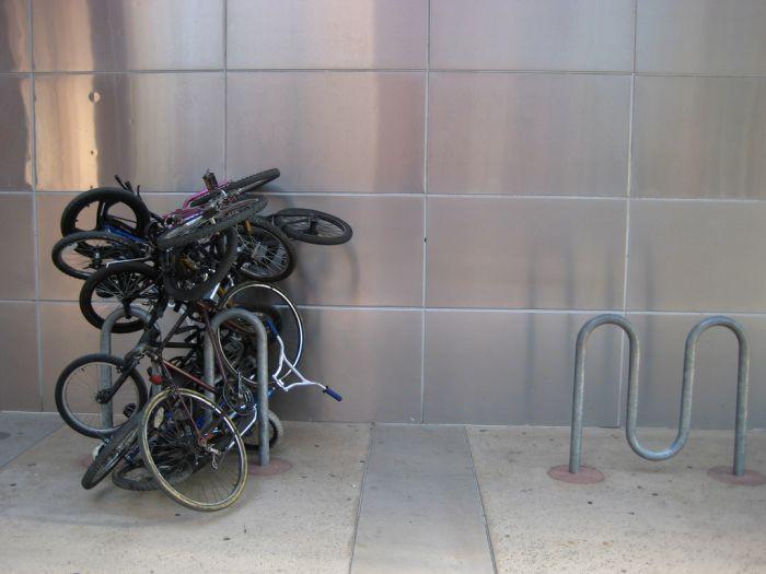 Хороший способ припарковать велосипед (20 фото)