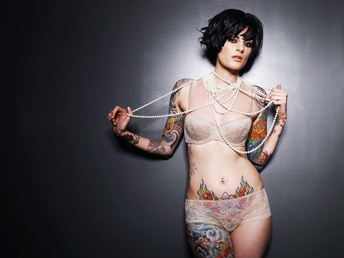 Кучерявые татуированные девушки фото 807-167