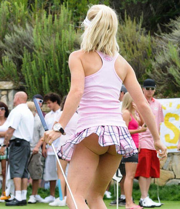 Фото под юбкой у женщин