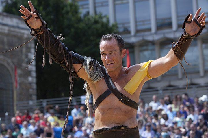 Бои гладиаторов в Лондоне (11 фото)