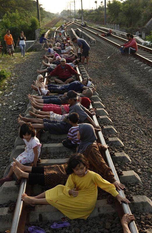 того, можно ли фотографию на железной дороге ним