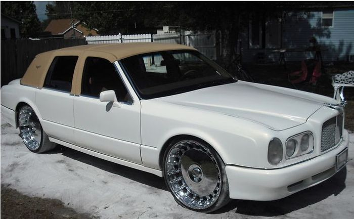 Bentley Arnage из старенького Lincoln Town Car (6 фото)
