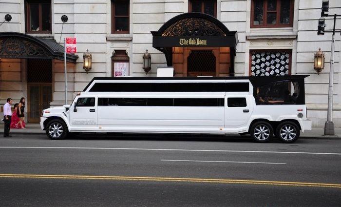 Необычный лимузин из Hummer H2 в Нью-Йорке (5 фото)