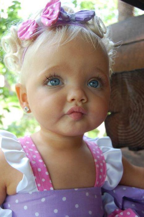 Айра Браун - девочка-барби (9 фото)