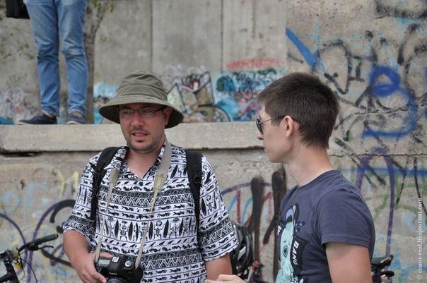 В Волгограде иллюзия на асфальте безнаказанной не осталась (3 фото)