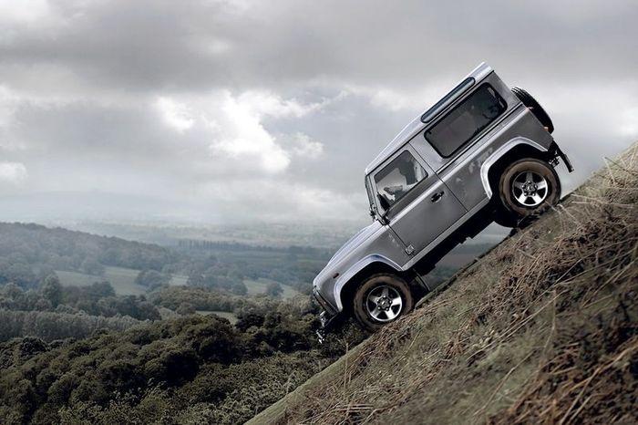 Land Rover Defender обзаведется новым дизельным мотором (3 фото)