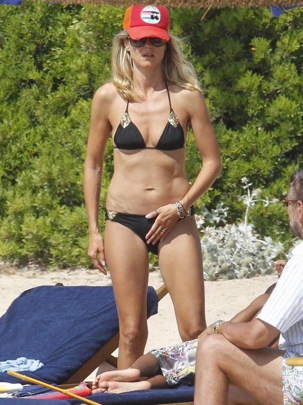Хайди Клум на пляже  (5 Фото)