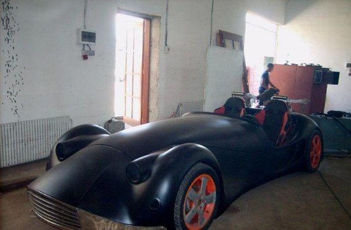 Семья кузнецов из Закарпатья сделала суперкар (5 фото)