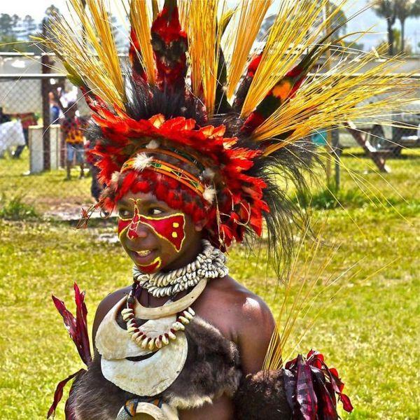 Жизнь современных папуасов (36 фото)