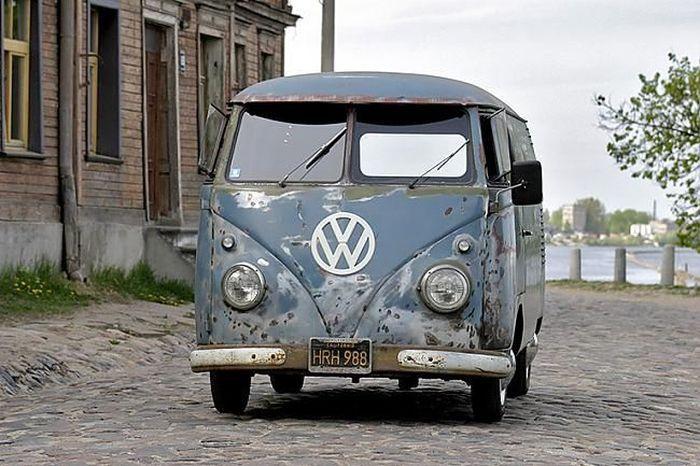 Реставрация старенького Volkswagen Van (15 фото)