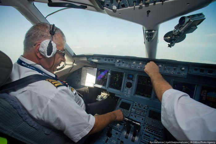 Sukhoi Superjet 100, хотели как лучше... (10 фото)