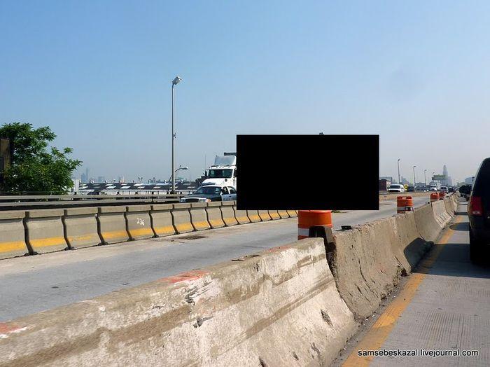 Необычная машина - которая двигает бетонные блоки (2 фото)