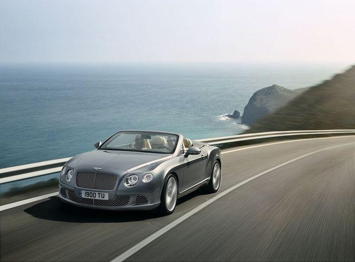 Новый Bentley Continental GTC (12 фото+видео)