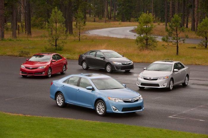 Официальные фото новой Toyota Camry (62 фото+4 видео)