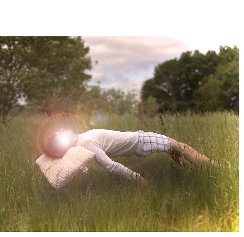 Левитация в фотографии – магия в полете (31 фото)