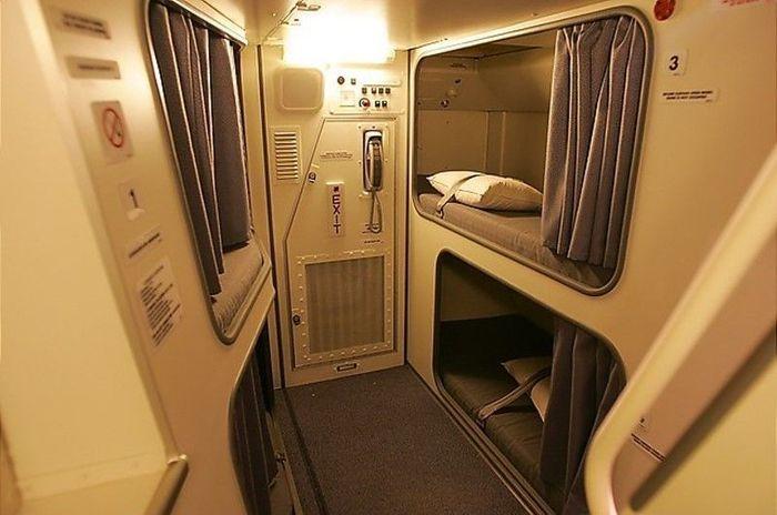 Каюты для отдыха на борту самолета (18 фото)