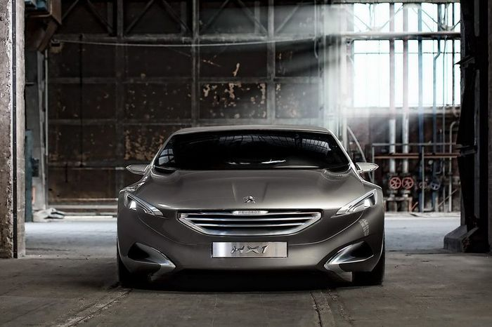 Новый гибридный компактвэн Peugeot HX1 Hybrid4 MPV (27 фото)