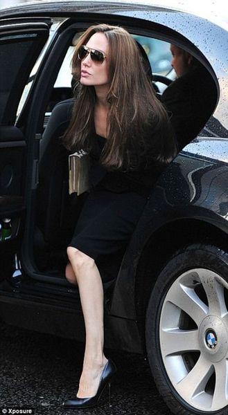 Анджелина Джоли в Лондоне (4 фото)
