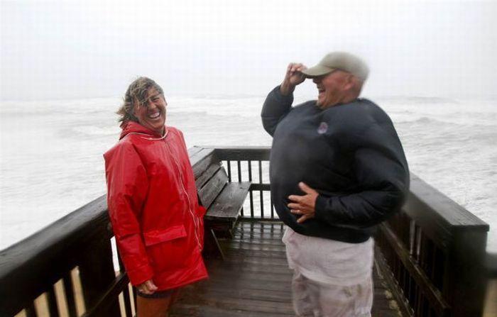 Ураган принес людям радость (35 фото + видео)