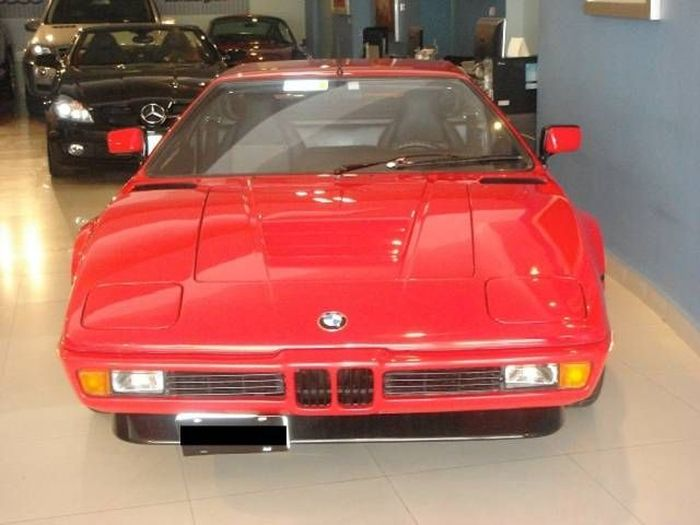 В Техасе выставили на продажу BMW M1 Coupe с пробегом 3,540 км (6 фото)