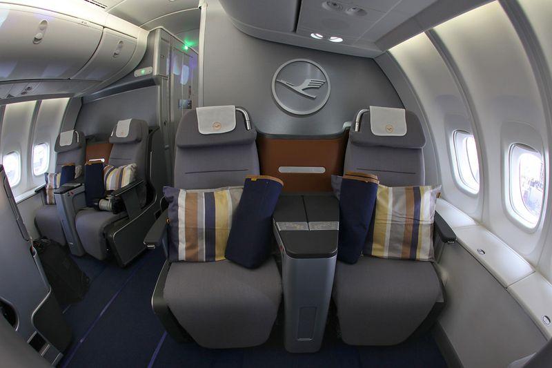 самолёт боинг 747  салона