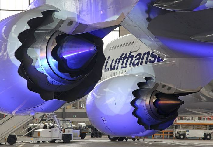 Знакомьтесь - Боинг 747-800. Пассажирский. (22 фото)