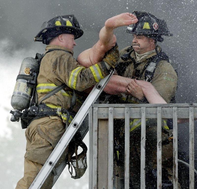 прикольные фото с пожарными жакеты