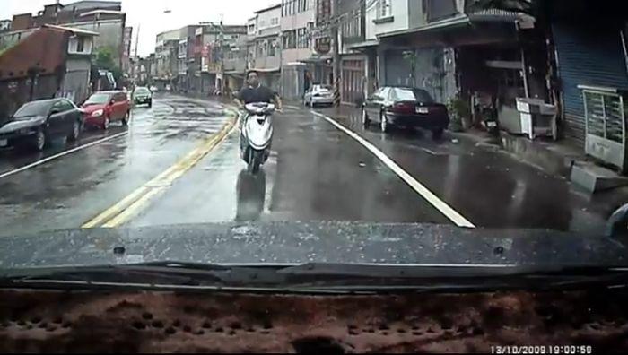 Авария дня часть 672 (фото+видео)