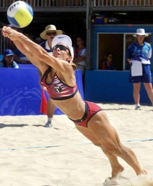 Эротичные моменты в пляжном волейболе фото фото 244-963