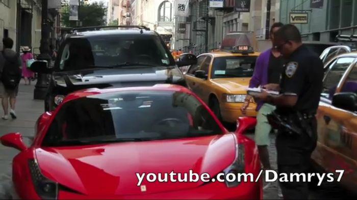 Американский КОП поставил на место владельца Ferrari (видео)