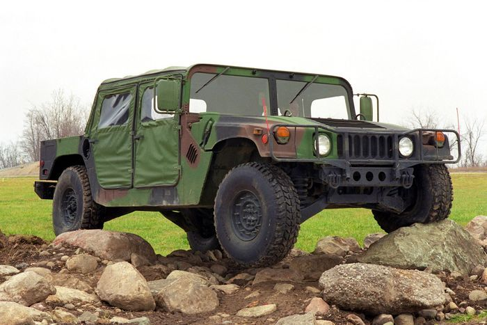 Легендарный внедорожник Humvee планируют выпускать для города (7 фото)