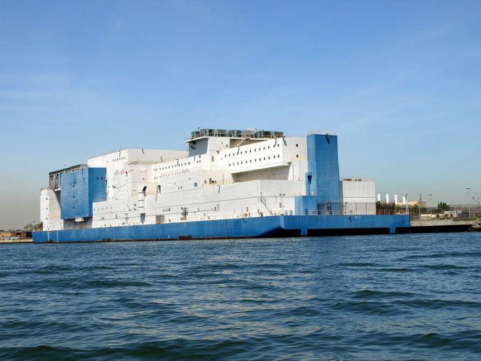 Что это за судно? (8 фото)