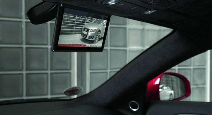 Audi R8 e-tron получит цветной дисплей вместо зеркала заднего вида (5 фото)