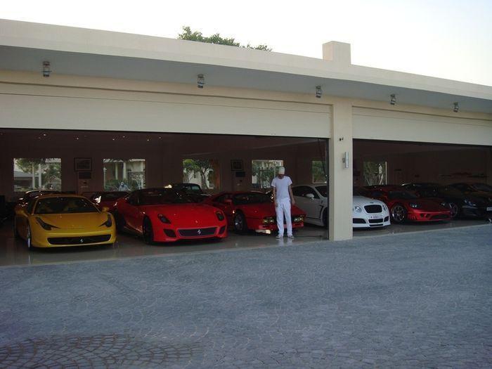 Одна из самых крутых коллекций суперкаров в мире из Бахрейна (16 фото)