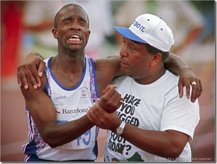 Самые эмоциональные моменты Олимпийских игр (10 фото)