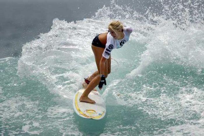 Однорукая серфингистка (21 фото)
