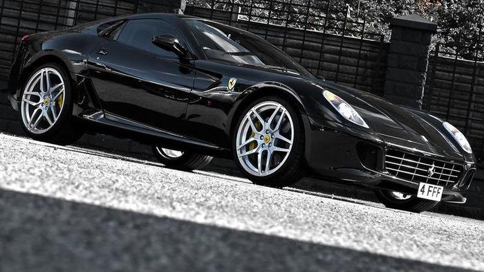 В ателье Kahn Design настроили Ferrari 599 GTB Fiorano (9 фото)