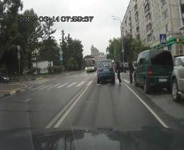 Автоподстава на пешеходном переходе