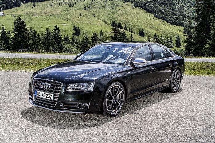 В ателье Abt Sportsline поработали над Audi S8 (8 фото)