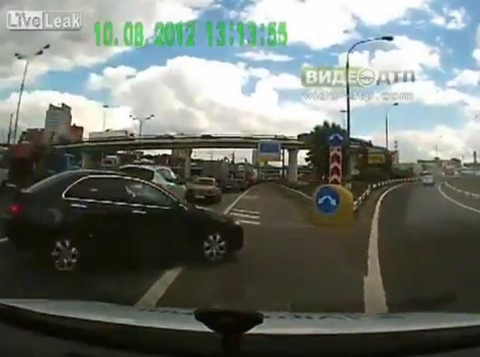 Авария дня часть 692 (фото+видео)