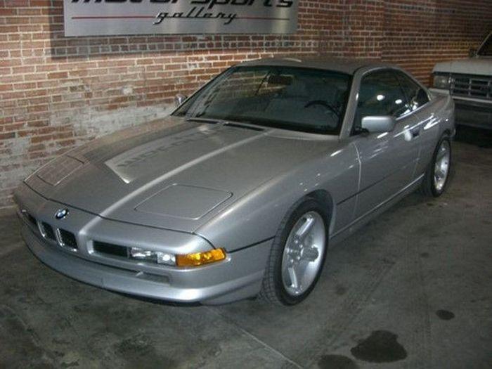 BMW 850i 1991 года с пробегом 18 407 км продают в США (18 фото)