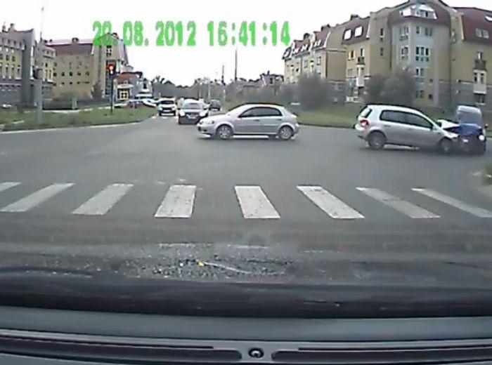 Авария дня часть 695 (фото+2 видео)
