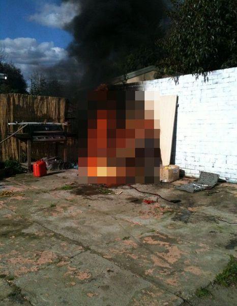 Поставил свою Honda к стеночке, она и сгорела к чертям (3 фото)